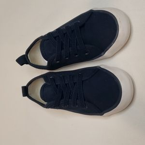 3/$30 H&M Elastic laced Canvas Sneakers